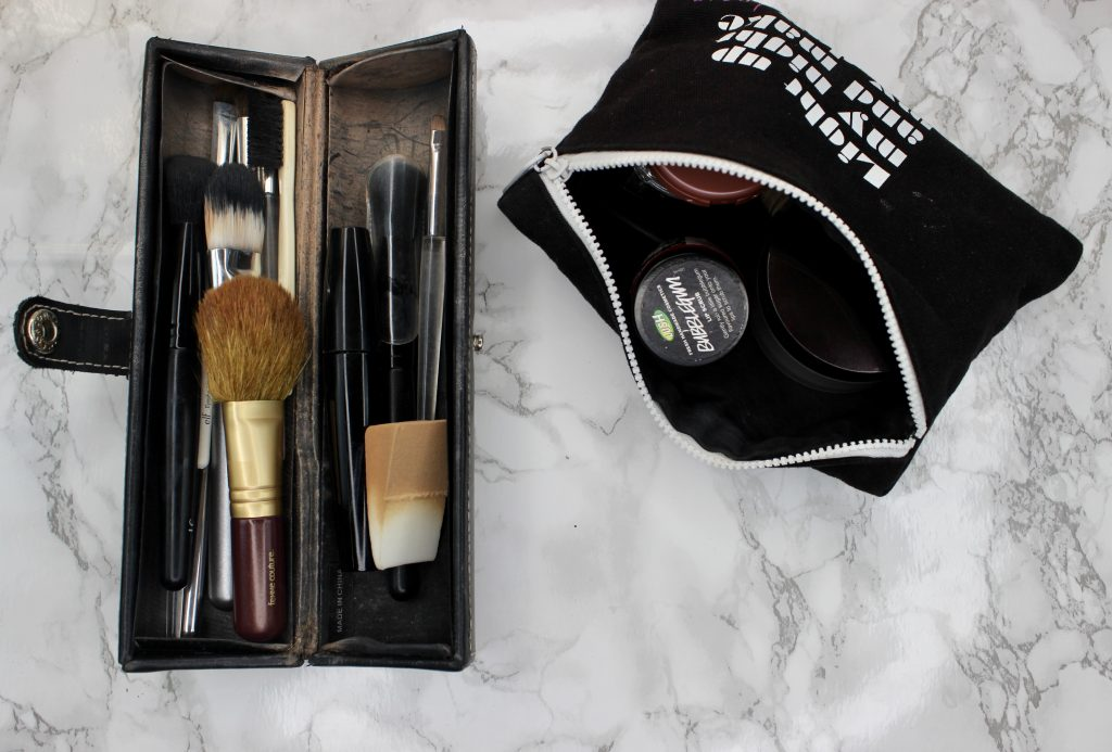 VANITY PURGE INSIDE MAKEUP BAG